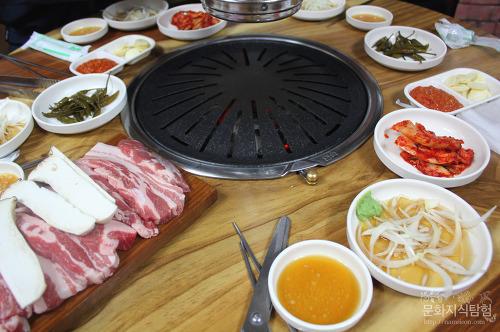 안동맛집 - 서부시장 황소촌 식육식당 삼겹살
