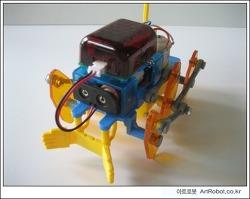 아두이노(Arduino)로 무선제어되는 6족보행 로봇