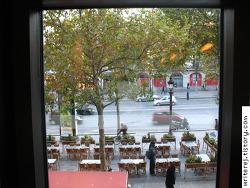 파리 샹젤리제 거리 한복판에서 화장실이 무지 급할때 - 맥도날드로 고고씽