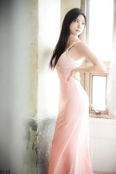 핑크빛 드레스가 잘 어울리는 그녀 MODEL: 연다빈 (5-PICS)