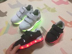 베쏭쥬쥬 LED운동화 아이들 크리스마스선물로 추천해요.