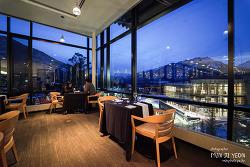 캐나다 밴프, 고급스러운 디너를 먹을 수 있는 쓰리 레이븐스 레스토랑(Three Ravens Restaurant)