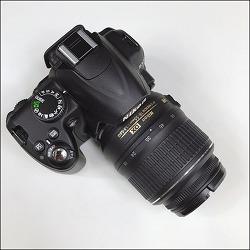 니콘 D3000