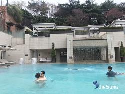 서울신라호텔 야외수영장 벌써 개방했어요 ^^