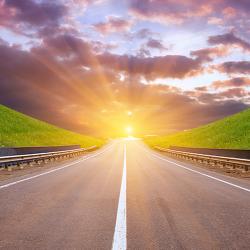 세계 최초 태양광 고속도로, 태양광 세상을 향하는 길 될까?