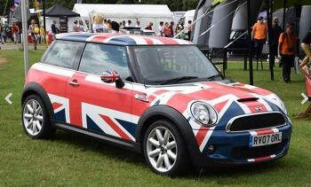 MINI turns 55: a small car with a great history.