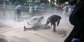 '탁치니 억', '병사' 그리고 국가 폭력