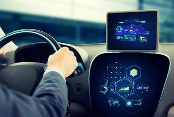 언론에 공개된 자율주행 트럭, 자율주행의 현재를 그리다