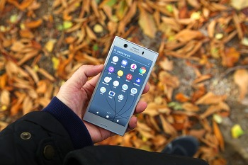 최신폰, 작지만 디자인 고급진 엑스페리아 XZ1 컴팩트