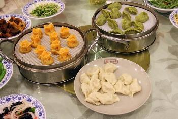 [음식여행-22] 후이족 거리의 신기한 먹거리 먹고 이열치열 해장으로 후라탕 마시고