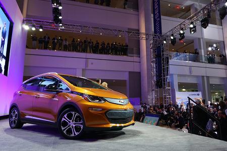 북미 올해의 차가 된 쉐보레 볼트(Bolt) EV, 국내에 어떻게 들어올까?