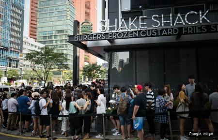 <스피킹 영어> '주말혼잡으로 식당이 붐비다' 영어로