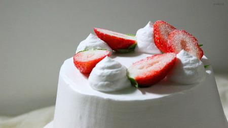 달콤한 딸기 생크림 케이크 만들기
