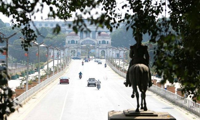 네팔 힌두교 최대 축제 맞아 약 190만명 귀성길에 오른 후 한산한 카트만두 시내
