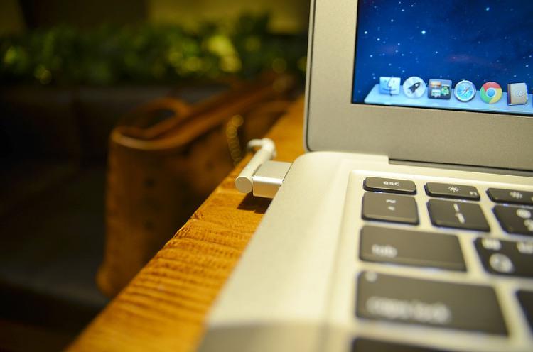 2012맥북에어를 구입하다&맥세이프2 컨버터