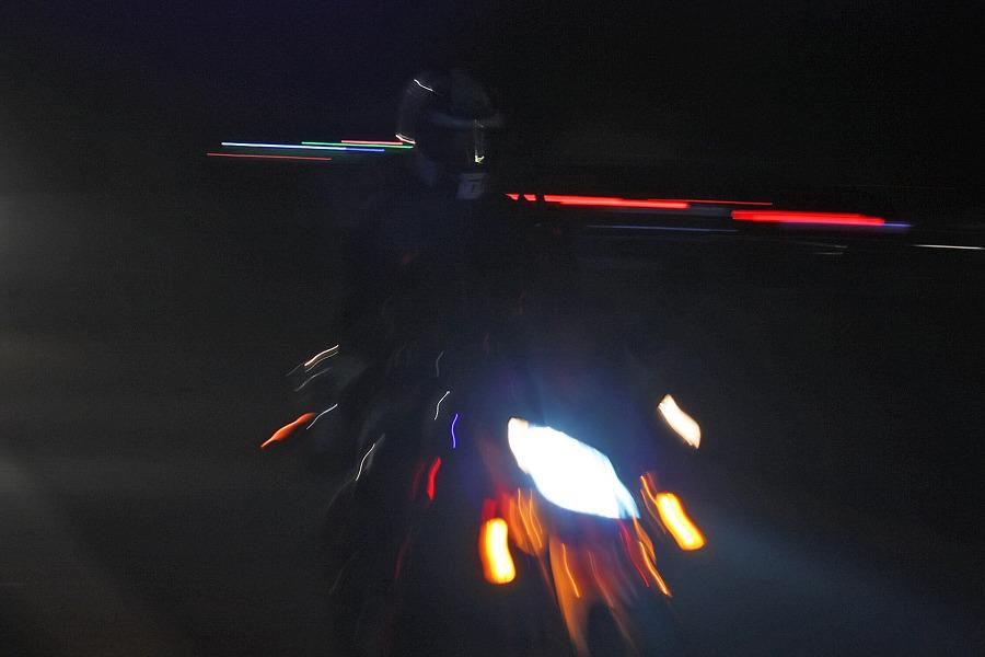 바이크로 달리자 - 야간 유명산 투어 : 120F6D3D4F6690A3329773