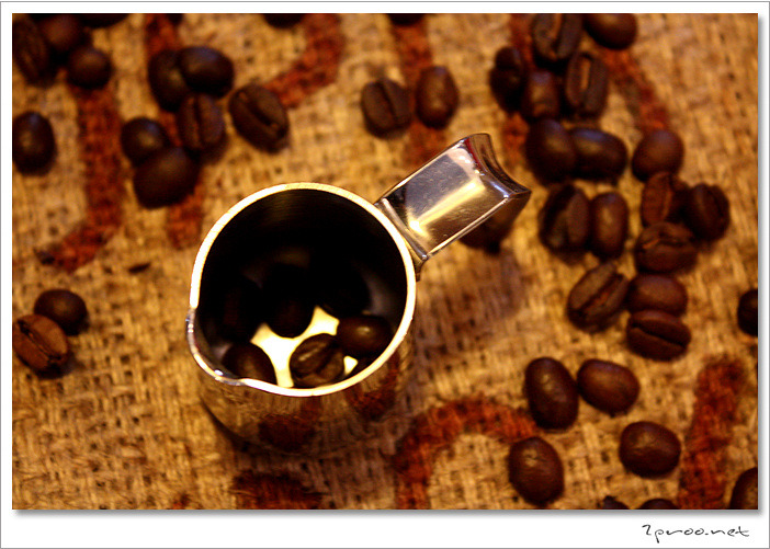 대전, 궁동, 궁동 카페, 궁동 커피숍, 충남대, 카페, 커피, 커피숍, 커피사진, 커피이야기, 맛집, 멋집, 바리스타빈, 바리스타, 핸드드립커피, 로스팅 커피, 로스터리 카페, 로스터리샵, Barista Bean, Coffee, cafe, 2proo, 카라멜마끼아또, 카라멜모카, 더치, 에스프레소, 커피 맛있는집, 대전 궁동 카페, Coffee Shop, 대전 갈만한곳, 대전카페, 대전커피숍, 리뷰, 사진, 예쁜 카페 사진, 예쁜 커피숍, 예쁜카페, 이색카페, 추천 커피숍, 추천카페, 취미, 커피맛있는집,