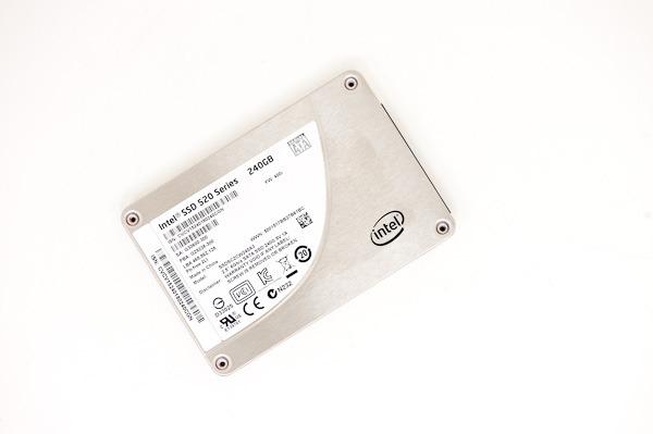 인텔 SSD 520 시리즈 샌드포스 컨트롤러 256비트 암호화 기능 결함 발견 전액 환불 결정
