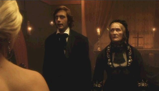 닥터후 시즌1 3화 레드패스와 할머니 시체