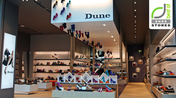 Interior exhibition vmd dune catwalk shoe store by four by two for Interior design for shoes shop