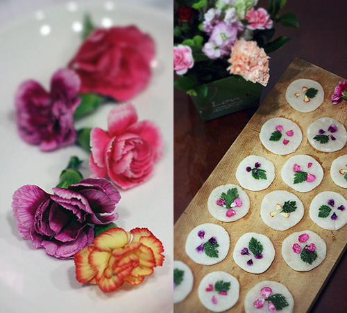 Flower cakes with carnations