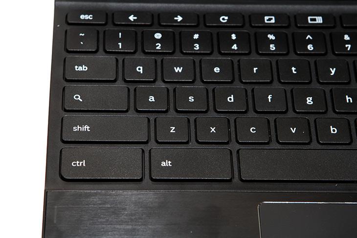 Poin2, 크롬북 ,리뷰, 동영상, 재생 ,분해 , 벤치마크,IT,IT 제품리뷰,노트북,대학생들이 사용하는 노트북으로 괜찮은 제품을 소개해봅니다. 강제로 공부만 하도록 만드는 그런 마성의 힘이 있는 제품인데요. Poin2 크롬북 리뷰를 통해서 동영상 재생 분해 및 벤치마크 그리고 활용성 등 다양한 테스트를 해 봤습니다. 크롬 브라우저는 다들 사용을 해 봤을겁니다. 속도가 꽤 빠른 브라우저 중 하나이죠. 그런데 이것을 운영체제로 사용하는 chromebook이 나왔습니다. poin2 크롬북 리뷰에서는 그것을 알아볼 것 인데요. 크롬 브라우저에 익숙하신 분들은 이 제품이 사용이 꽤 편리 할 것입니다. 요즘에는 집에서 노트북은 웹서핑 용으로만 쓰시는 분들도 많죠. 그런 분들을 위해서 좋습니다.