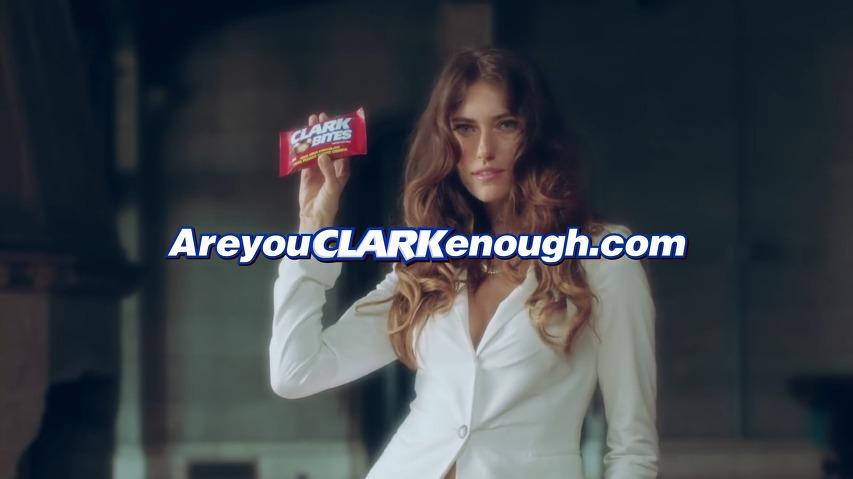 흔한 러시아 처자의 고백/흔한 이탈리아 처자의 고백 - 클락 바이츠(Clark Bites)초코바의 슈퍼볼(Super Bowl) 광고 [한글자막]