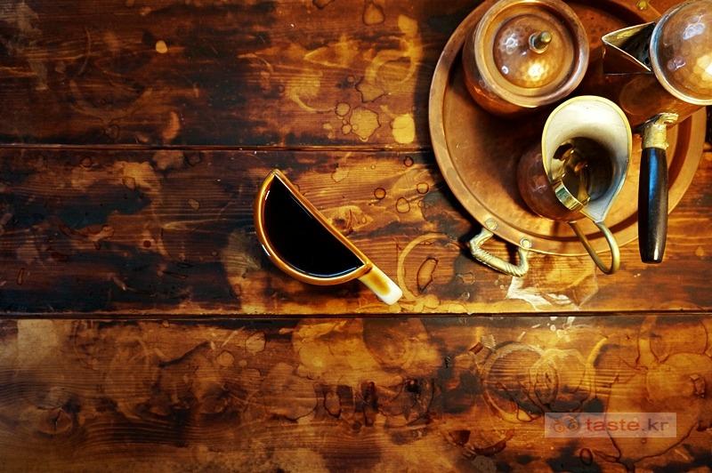 더치커피 맛있는 주인장 까칠한 융드립 & 핸드드립 혜화역 대학로 카페 _ 커피천국