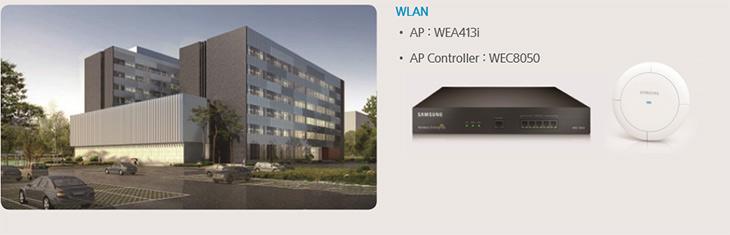 삼성 ,스마트 ,무선랜, 놀라운 ,안정성 ,실제 ,활용 ,사례,IT,IT 제품리뷰,삼성의 AP는 물리적으로 최대 15개의 안테나로 구성이 됩니다. 이 중 모니터용으로 3개가 사용되고 12개가 사용자 위치에 따라 최적의 RF패턴을 제공 합니다. AirMove는 기존 WiFi Handover에서 다른 AP를 스캔하고, 접속 시 접속이 느려지거나 지연되는 것을 개선한 방식으로 LTE의 Handover 기술을 적용하여 음성 통화나 동영상 재생, 이동 중에도 끊기지 않고 사용할 수 있게 합니다.AirEqualizer 는 AP에 스케쥴링 기술을 적용하여 많은 디바이스가 동시에 하나의 AP에 접속하더라도 모든 디바이스에 공평하게 대여폭을 제공하는 기술 입니다. 이 외에도 SON, VaTS, 전용 Security RF 모듈 탑재 등 다양한 기능을 제공을 합니다.