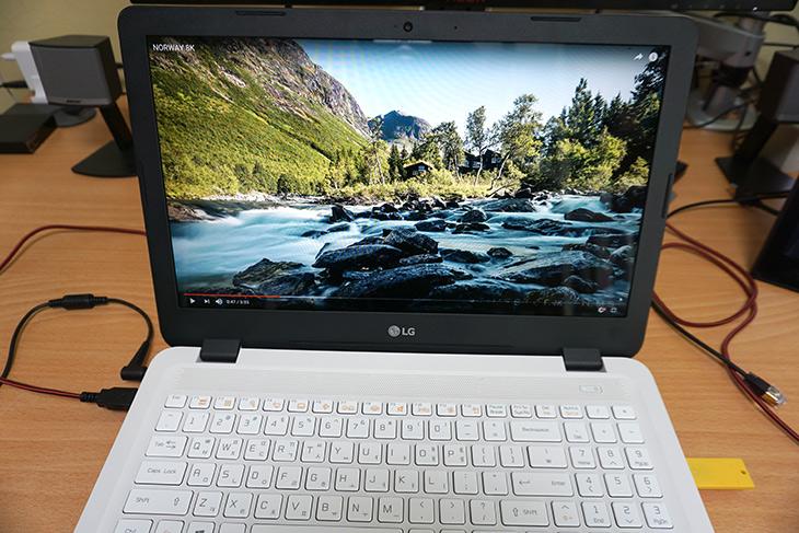 LG 울트라PC, 15UD470-KX50K ,노트북 추천, 특장점,업무용 노트북,IT,IT 제품리뷰,업무용 노트북으로 많이 활용될 것 같네요. 실제로 써보니 그런 느낌이 듭니다. LG 울트라PC 15UD470-KX50K 노트북 추천 제품 특장점에 대해서 알아보려고 합니다. 좀 튼실하면서 확장성도 괜찮은 노트북 이었는데요. 그런 이유때문에 얇지는 않습니다. LG 울트라PC 15UD470-KX50K는 두께는 20.9mm 이고 무게는 1.99kg 입니다. 대화면에 듀얼 스토리지를 장착할 수 있도록 해둔 모델 입니다. 램도 확장이 가능하게 되어진 모델이네요. 아래에서 분해도 해 볼 것입니다.