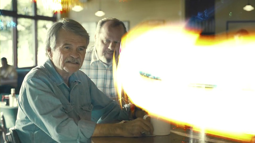 BMW i8 광고 - UFO를 본 듯한 목격자들의 증언, '목격'편 [한글자막]