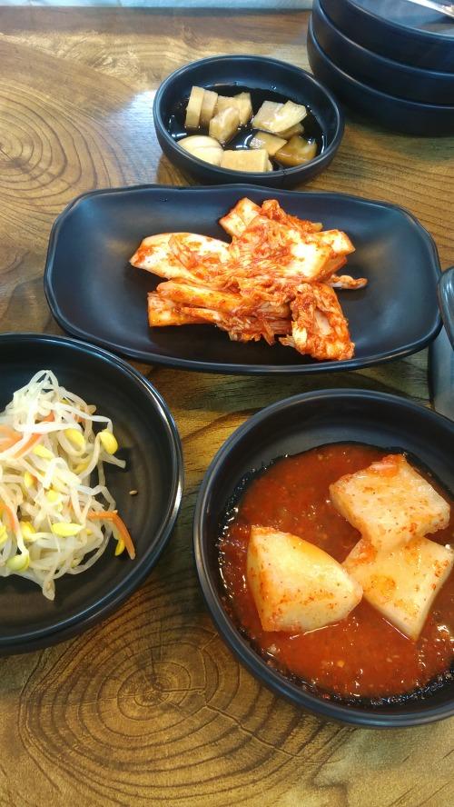 콩나물 깍두기 겉절이 김치