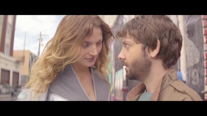 슈퍼히어로들과의 삼각관계에서 승리할 수 있는 슈퍼파워의 비결, 프랑스통신사 오렌지(Orange) 4G TV광고 - '원더러브(Wonder Love)편' [한글자막]