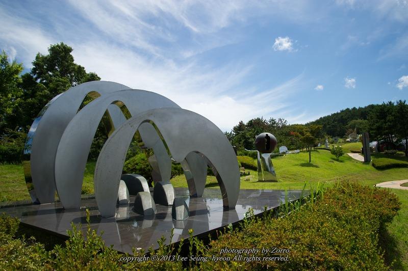 거제 능포양지암조각공원