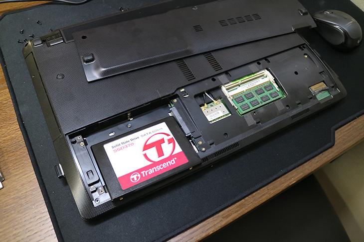 윈도우10 다운로드, TH2 ,10586 ,USB 미디어 만들기, 및, ISO 다운로드,IT,windows 10,윈도우10,운영체제,윈10,설치,코타나,스레스홀드2,최근에 와이프 노트북 운영체제를 다시 설치해 줬습니다. 윈도우7이 설치되어있던 노트북에 최신 운영체제를 설치했죠. 윈도우10 다운로드 TH2 10586 USB 미디어 만들기를 해볼 것인데요. 또는 ISO 다운로드를 해서 직접 설치가 가능합니다. 스레스홀드 2 (TH2)로 업데이트가 되면서 많은것이 편해졌는데요. 윈도우7이나 윈도우8 등에서 업데이트를 할 때 기존에는 무조건 업데이트 형태로 윈도우10으로 올려야 사용이 가능했는데요. 물론 그 후 클린설치한다고 해서 다시 설치 후 정품등록이 되긴 했지만 어느순간부터 그게 잘 안되기도 했죠. 윈도우10 다운로드 최근에 나온 TH2 10586을 받아서 설치를 해보니 이제는 바로 설치해도 잘 되더군요. 그래서 윈도우7 Home 프리미엄이 설치되어있던 노트북에 바로 윈도우10을 설치하고 정품인증을 해 봤습니다. 잘 되더군요. 와이프가 영문판으로 설치를 해 달라고해서 영문판으로 설치를 했습니다. 코타나도 그래서 잘 되네요.