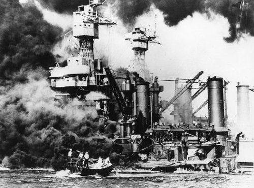 20세기 초 세계 강대국 반열에 오른 일본 제국이 멸망하게 된 이유