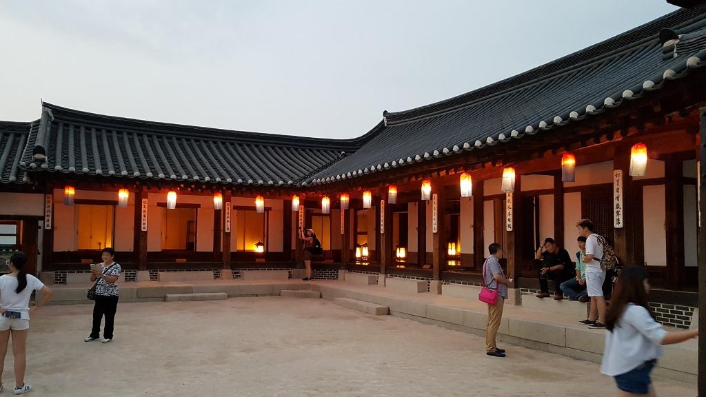 [서울 데이트] 남산한옥마을 - 저녁에 한번 더 방문해봤어요.