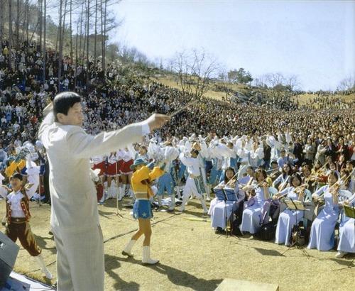 ▲ 월명동 자연성전 주일예배 (1998)
