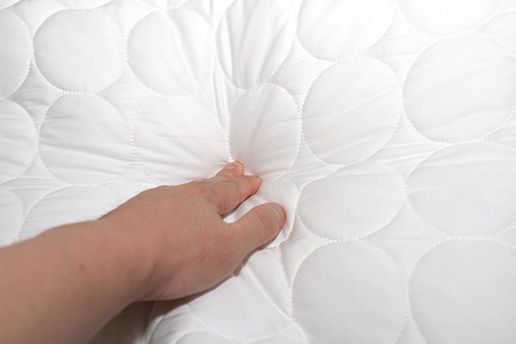 라디언스, 라디샤인 매트, 접히는 ,침대, 전기장판,IT,IT 제품리뷰,인테리어,점점 날씨가 추워지고 있습니다. 따뜻하게 지내려면 이것은 어떤가요. 라디언스 라디샤인 매트 접히는 침대 전기장판을 소개 합니다. 그전에 표면이 제품을 침대 위에서 써본적은 있는데 불편해서 못썼었는데요. 이 제품은 그냥 얇은 이불처럼 딱 좋더군요. 게다가 이건 세탁도 됩니다. 라디언스 라디샤인 매트 접히는 침대 전기장판을 써서 침대 위에서도 또는 바닥에서도 깔아서 따뜻하게 해볼텐데요.