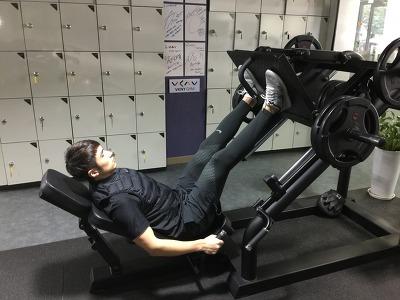 단시간 효과적인 칼로리 소모운동[하체편]-[레그 프레스(Leg press)]