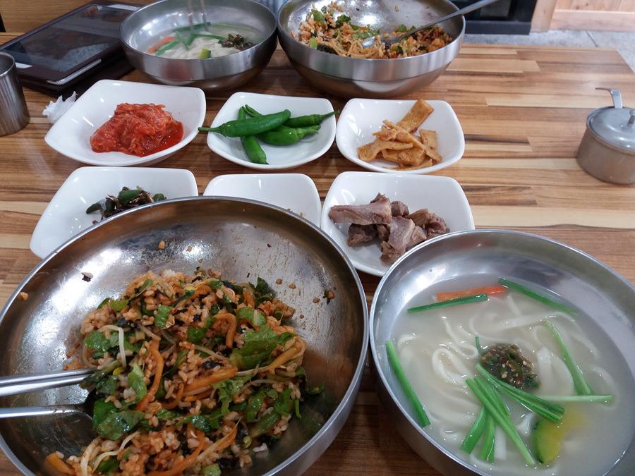 보리밥 + 칼국수 = 6,000 원  리얼?!