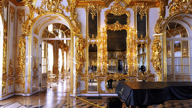 사진: 캐서린 궁전의 내부 모습. 비싼 음식을 대접할 수 있다는 것은 부를 과시하는 방법이기도 했다.