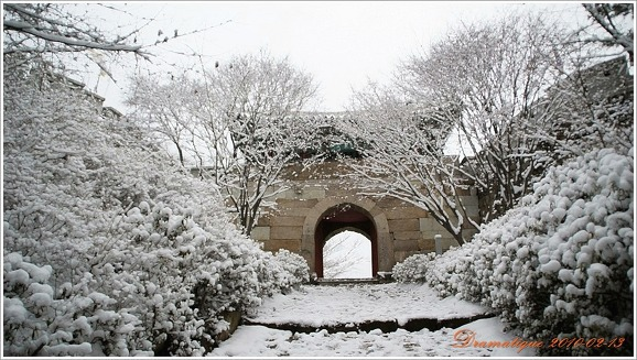 금정산 설경(雪景).