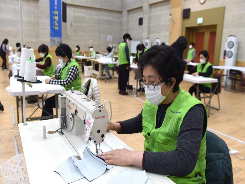 서울 노원구, 주민 54만 명에 마스크 1인당 2매 나눠준다.